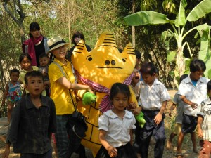 Khmer exercise w/ Watty in Rumdual Island