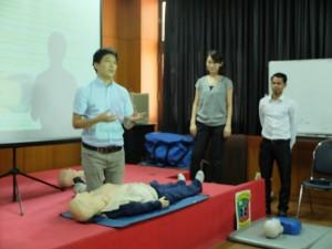 2016-03-21 SBSI 1st Aid Training by Dr. Hayashi (40)