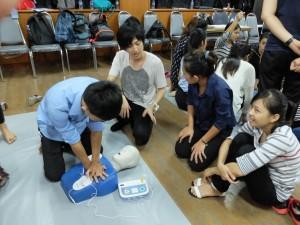 2016-03-21 SBSI 1st Aid Training by Dr. Hayashi (65)